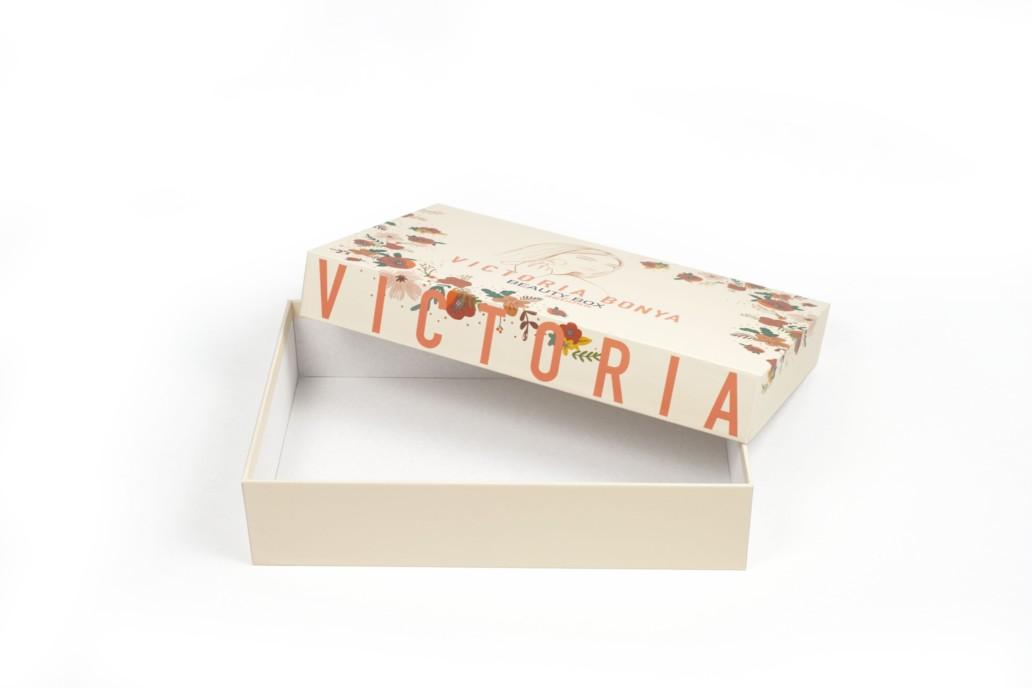 Коробка beauty box для набора красоты от Victoria Bonya