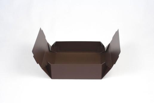 Самосборные коробки с тиснением на заказ от производителя