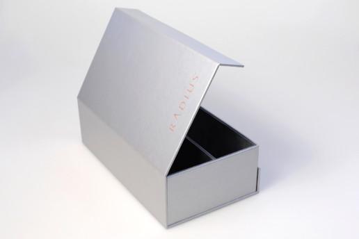 Подарочная коробка книжка на магнитах с ложементом из бархата