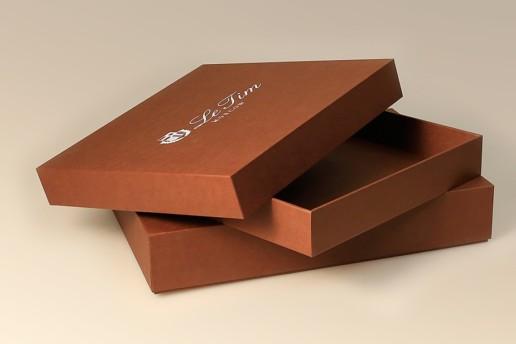 Кашированные коробки с логотипом на заказ от производителя.